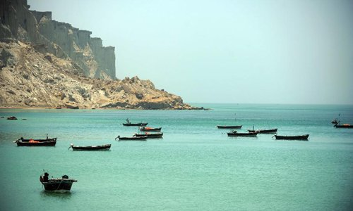 Fishboats berth in the bay of Gwadar, southwestern Pakistan, on May 11, 2015. Most of local residents in Gwadar live on fishing. Photo:Xinhua