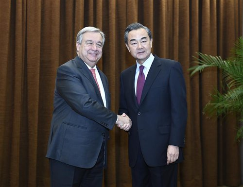 Chinese Foreign Minister Wang Yi (R) holds talks with United Nations Secretary-General designate Antonio Guterres in Beijing, capital of China, Nov. 28, 2016. (Xinhua/Yan Yan)