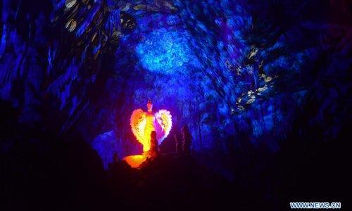 postojna caves opening time