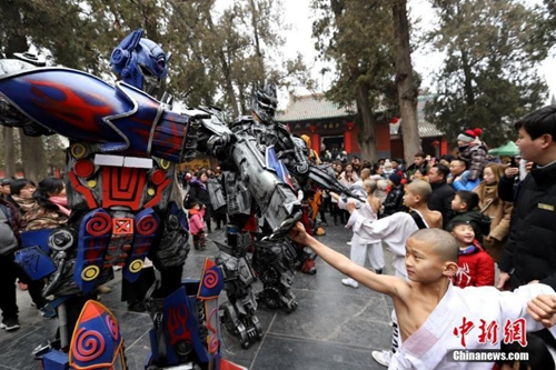 Transformers in kung fu moves at Shaolin Temple
