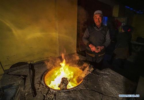 """Nang"" making boosts farmers' income in NW China's Xinjiang"