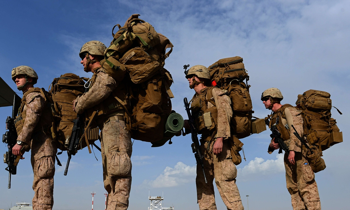 US Marines head to Kandahar as Britis h and US forces withdraw from the Camp Bastion-Leatherneck complex in Lashkar Gah in Helmand province on October 27, 2014. Photo: VCG