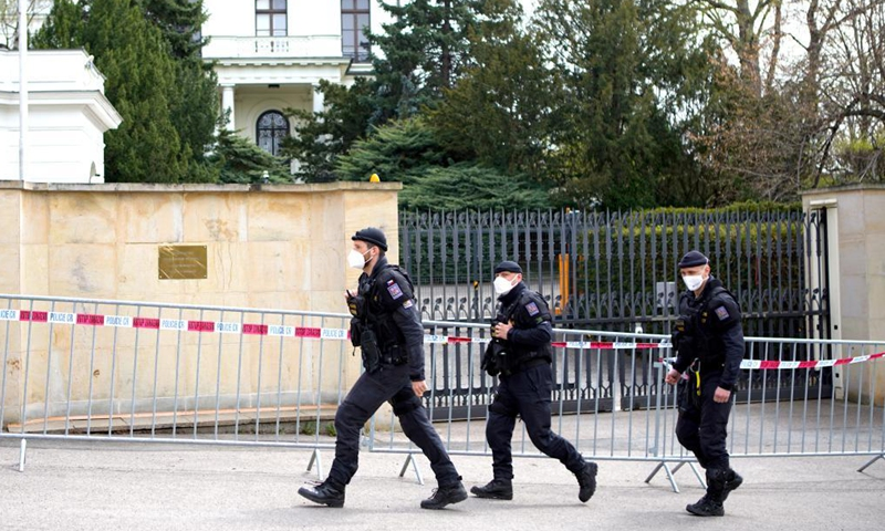 Czech police are seen outside the Russian embassy in Prague, the Czech Republic, on April 22, 2021. The Czech Republic will reduce and put a cap on the number of employees in the Russian embassy in Prague to the same number at the Czech embassy in Moscow, the Czech Foreign Ministry said on Thursday.Photo:Xinhua