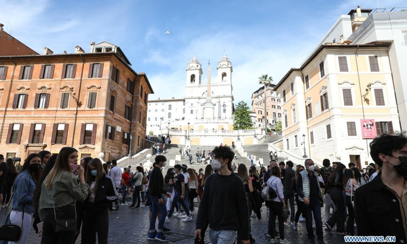 People visit the Piazza di Spagna in Rome, Italy, May 15, 2021. Italy formally opened its borders on Sunday for restriction-free travel for visitors from some countries. While it appeared that few took advantage of the eased travel rules on their first day, businesses in Rome say they are ready.(Photo: Xinhua)