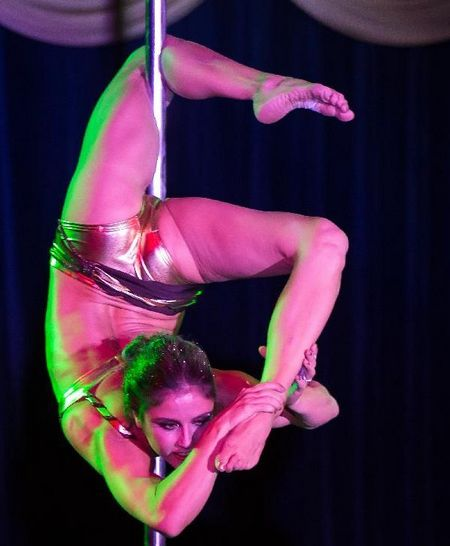 Ilka Bardoczy of Hungary performs during the Miss Poledance Hungary competition in Budapest, Hungary on September 22, 2012. Ilka Bardoczy placed second. Photo: Xinhua