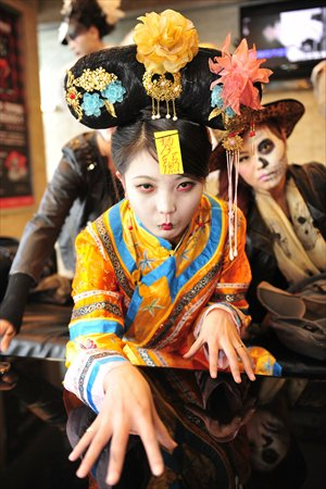 The long-gone concubines still stalk the city through ghost stories.