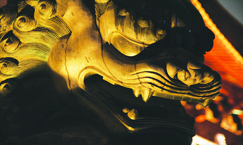 The stone lions outside the Jing'an Temple are the first stop of the Ghost Tour. Photo: Courtesy of Daniel Newman