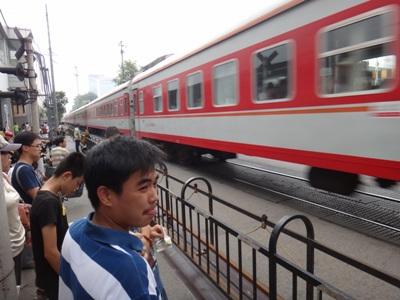 The railroad crossing at Wudaokou Sunday. Photo: Yin Yeping/GT