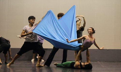 Dancers rehearsing The Little Mermaid Photo: Courtesy of Niu Shuai