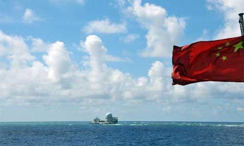 A fleet of fishing vessels arrive at Zhubi Reef of south China Sea on July 18, 2012. Photo: Xinhua