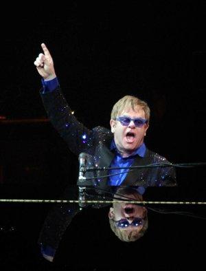 Elton John in concert Photo: CFP