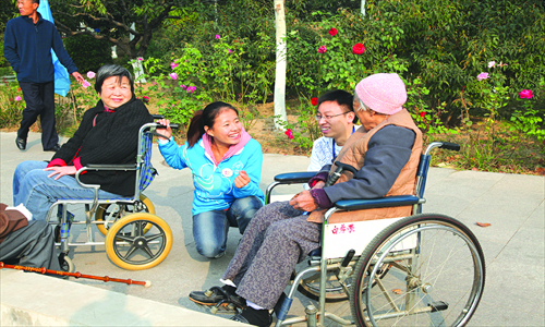 Volunteers with residents of the Sijiqing Homes for the Elderly in the Haidan district Photo: Courtesy of New Path Foundation