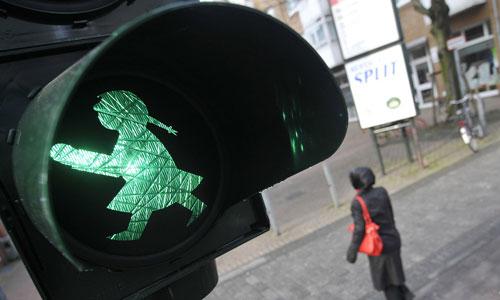 A traffic light bearing an