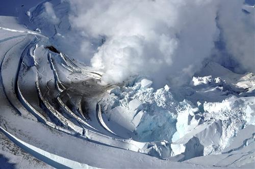 Mount Redoubt, Alaska, USA(Source: www.huanqiu.com)