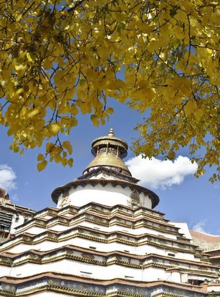 Photo taken on October 1, 2012 shows the Baiqoi Monastery in Gyangze, Southwest China's Tibet Autonomous Region. Photo: Xinhua