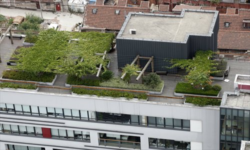 An innovative industry park on Changde Road boasts a rooftop garden. Photo: Cai Xianmin/GT