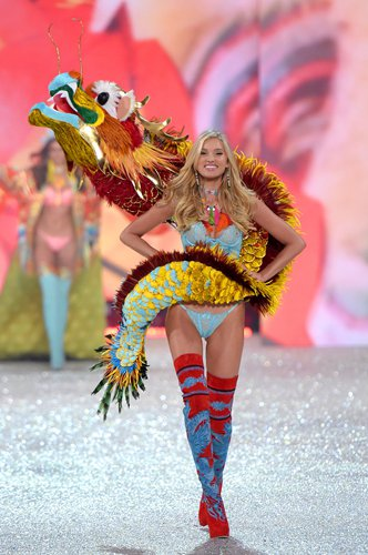 Elsa Hosk wears a dragon accessory during the 2016 Victoria's Secret Fashion Show in the US recently. Photo: IC