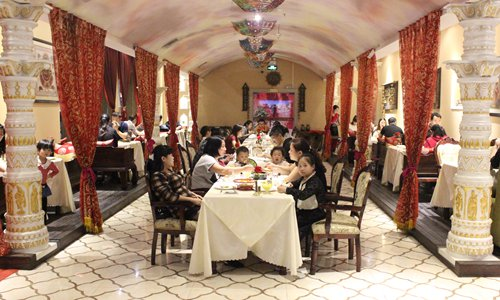 Customers dine in a Redfort restaurant in Xi'an, Shaanxi Province. Photo: Courtesy of Dev Raturi