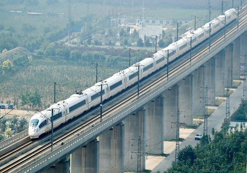 A high-speed train enters a railway station in Luoyang, Central China's Henan Province, in September 2016. Photo: CFP