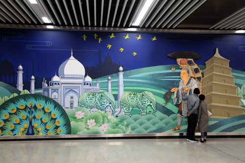 Pictured is a mural at Exit C of Dayan Pagoda metro station in Xi'an, Northwest China's Shaanxi Province depicting the Buddhist monk Xuanzang's anachronistic visit to the Taj Mahal of India. Photo: IC