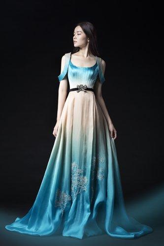 A model showcases a dress from the Xunji collection. Photo  Courtesy of Chu  Yan f86e58f08