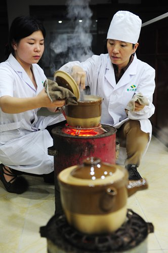 China Promotes Tcm In Hiv Aids Treatment Though Its
