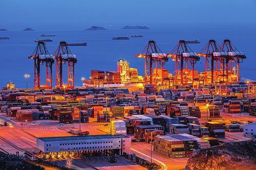 Shanghai makes three-year (2018-20) action plan to build itself into an International Shipping Center