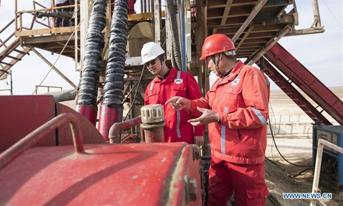 China's drilling company brings water to Egypt's desert for