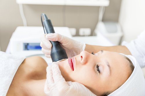 Students flocking to get plastic surgery during summer vacation