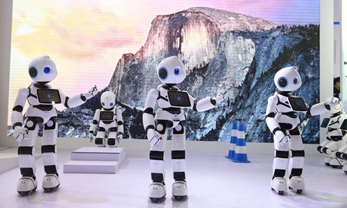China's robot industry declines ahead of large-scale adjustment