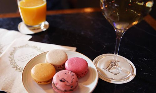 Symbol of French dessert: Macaron