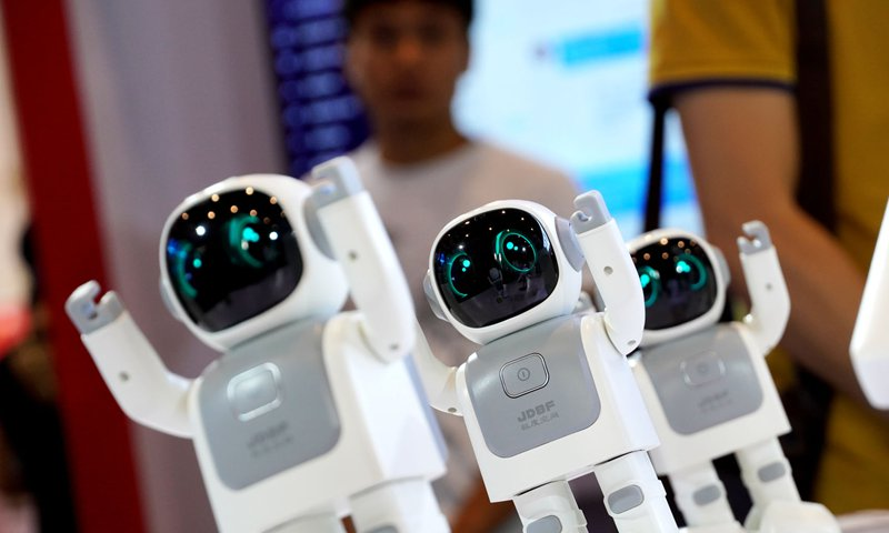 China draws increasing number of top AI researchers from US