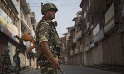 India, Pakistan troops exchange fire on Kashmir LoC