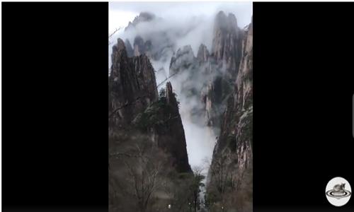 A ride through misty mountains
