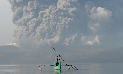 Threat of volcanic eruption in Philippines could keep thousands displaced for weeks