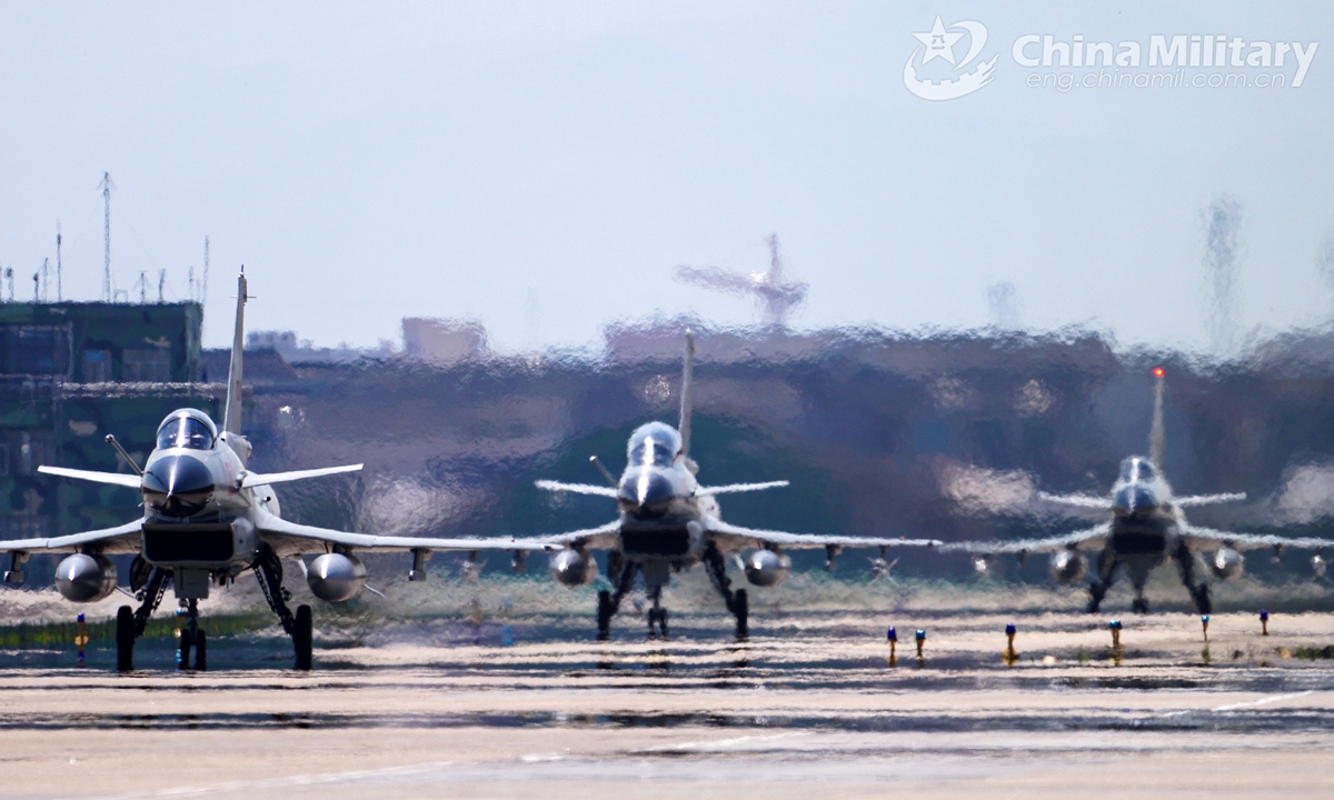 J-10 fighter jets attached to a naval aviation brigade under the PLA Eastern Theater Command get ready to take off on February 20, 2021, kicking off their 2021 annual training.Photo:China Military