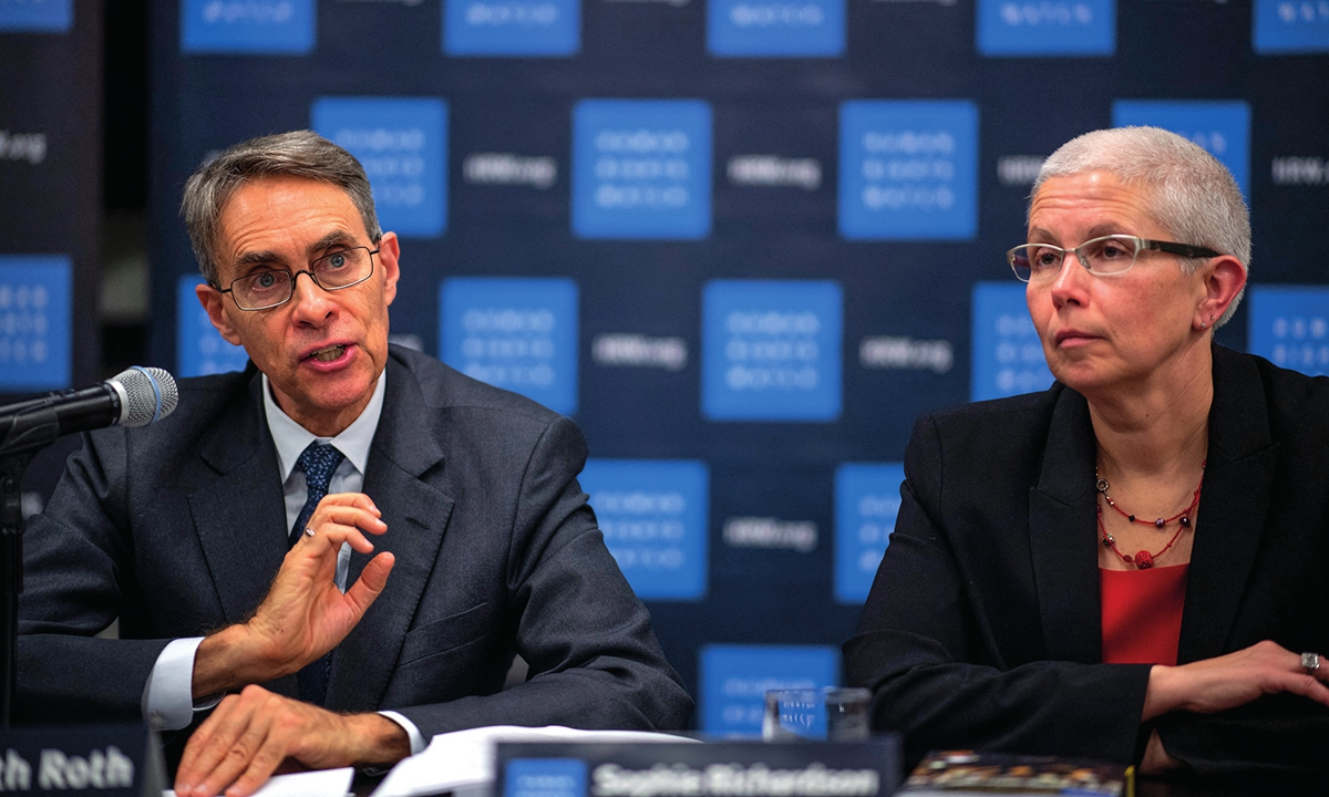 Kenneth Roth (L) and Sophie Richardson of Human Rights Watch Photo: AFP