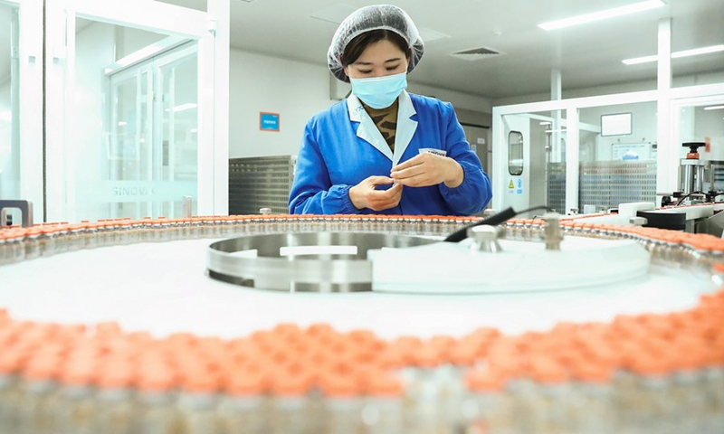 Photo taken on Dec. 23, 2020 shows the packing line for inactivated COVID-19 vaccine of Sinovac Biotech, a Chinese biopharmaceutical company, in Beijing, capital of China.(Photo: Xinhua)