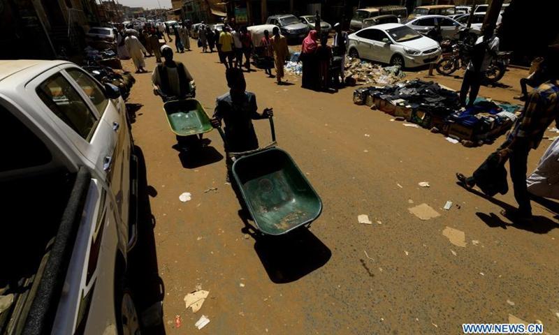 People visit a local market in Khartoum, Sudan, March 16, 2021.(Photo: Xinhua)