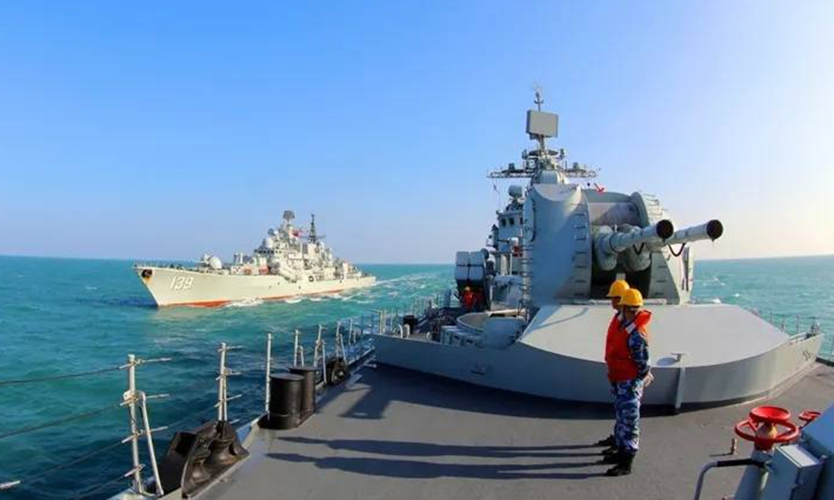 Sovremenny-class guided missile destroyer Hangzhou (Hull 136) and Ningbo (Hull 139) attached to the PLA Eastern Theater Command Navy conduct exercises in early 2021. Photo: Screenshot from navy.81.cn