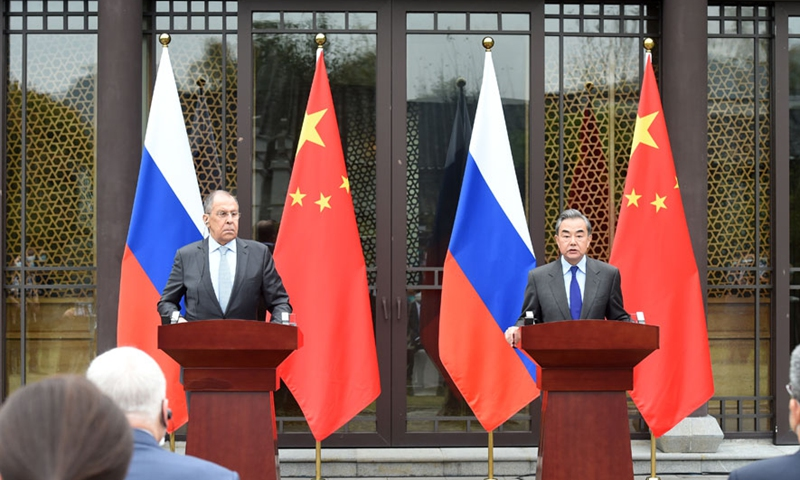 Chinese State Councilor and Foreign Minister Wang Yi (right) meets with Russian Foreign Minister Sergei Lavrov in Guilin, South China's Guangxi Zhuang Autonomous Region on March 23. Photo: courtesy of Chinese Foreign Ministry