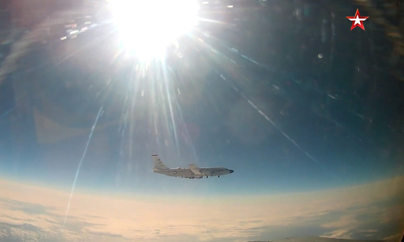 A screenshot of footage released by the Russian Defense Ministry on April 10, 2021 shows a U.S. RC-135 reconnaissance aircraft.(Photo: Xinhua)