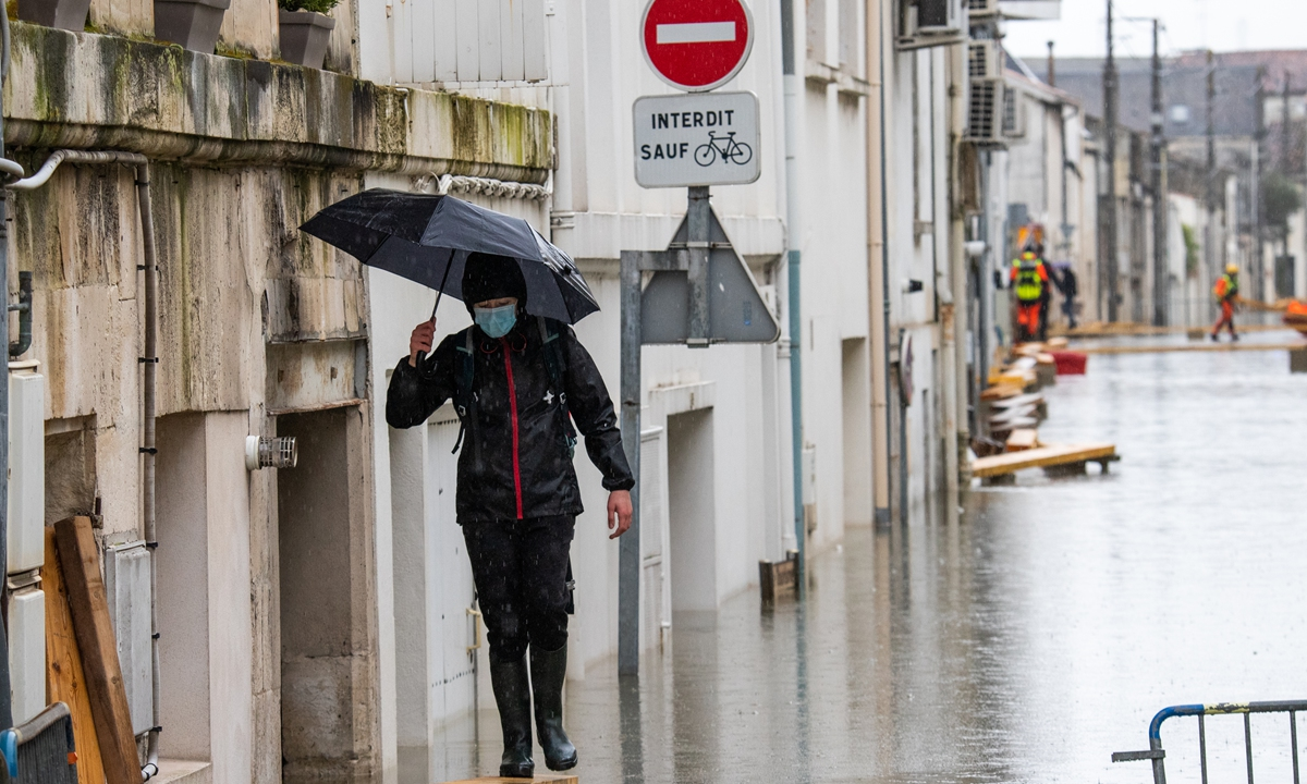 A view of flood in Charente-Maritime, in Saintes, on February 8, 2021 Photo: VCG