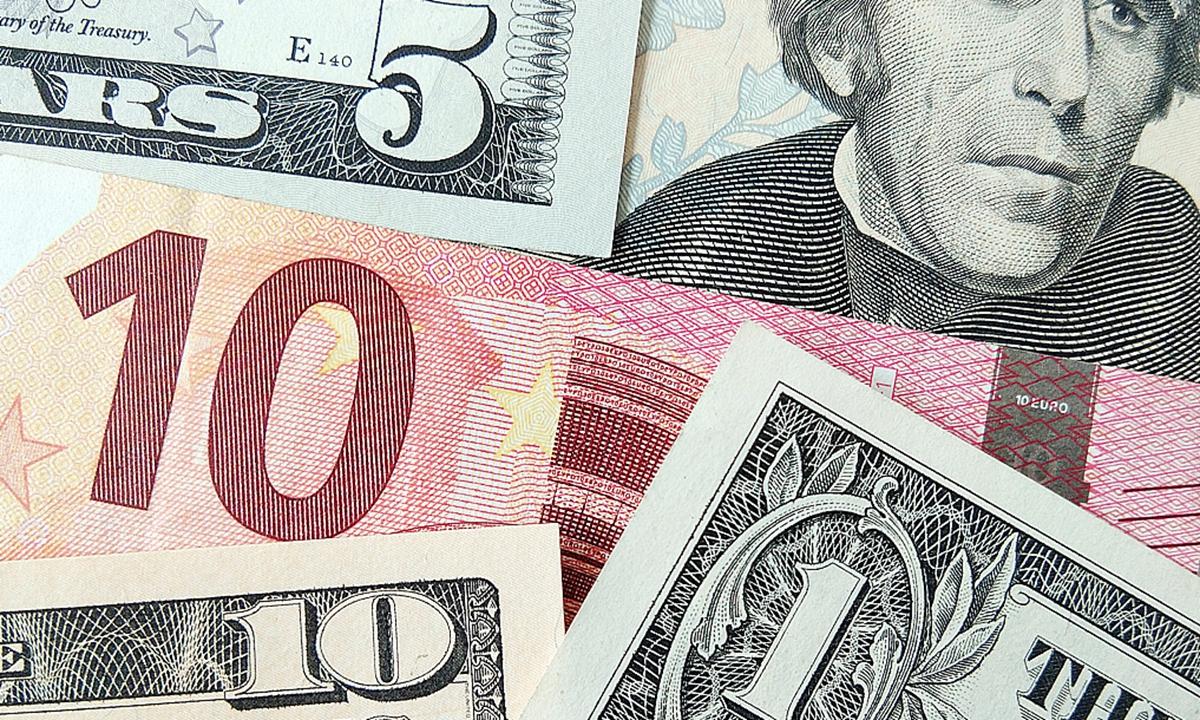 Dollars vs Euro.File Photo:VCG
