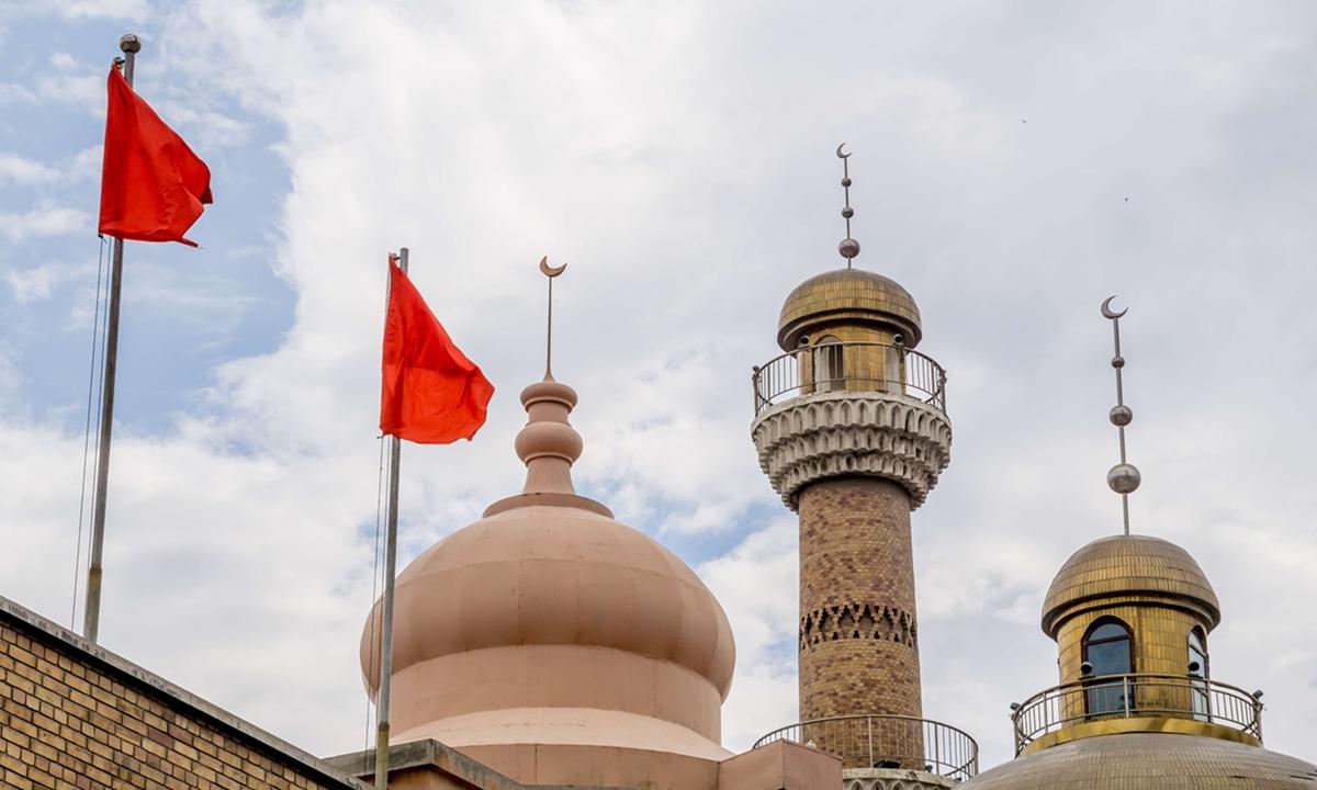 Xinjiang International Grand Bazaar in Urumqi. Photo: IC