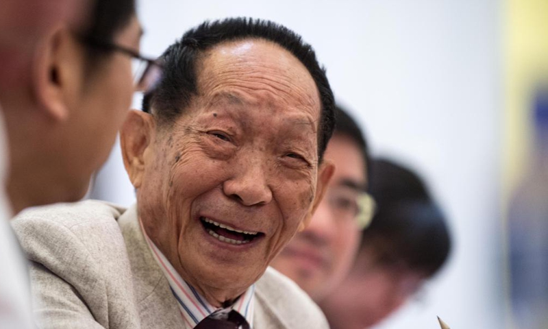 Yuan Longping speaks to the press during the World Seed Congress on May 26, 2014. Chinese scientist Yuan Longping, renowned for developing the first hybrid rice strain that pulled countless people out of hunger, died of illness at 91 on Saturday. (Photo:Xinhua)