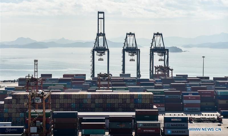 位于中国南方广东省深圳港盐田港区的一个码头。 资料图:新华社