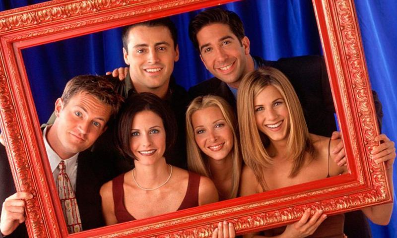 The main cast of <em>Friends</em> pose for a picture. File photo: VCG