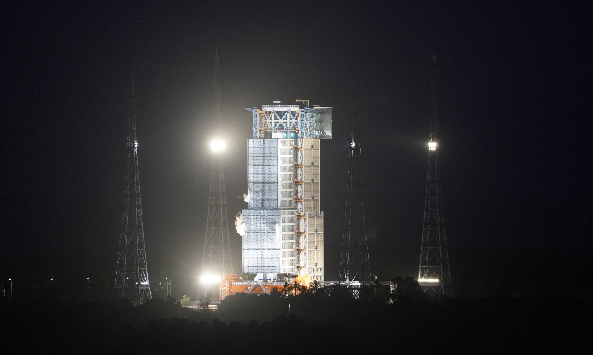 Propellant fueling of the Long March-7 Y3 carrier rocket that is commissioned for the launch of Tianzhou-2 cargo spacecraft to China's space station at around 8:55 pm Saturday has completed on the launch pad at Wenchang spaceport in South China's Hainan Province. Photo: Fan Wei/GT