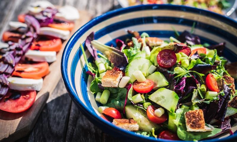 salad Photo: Unsplash